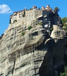 SKG to Meteora private tours